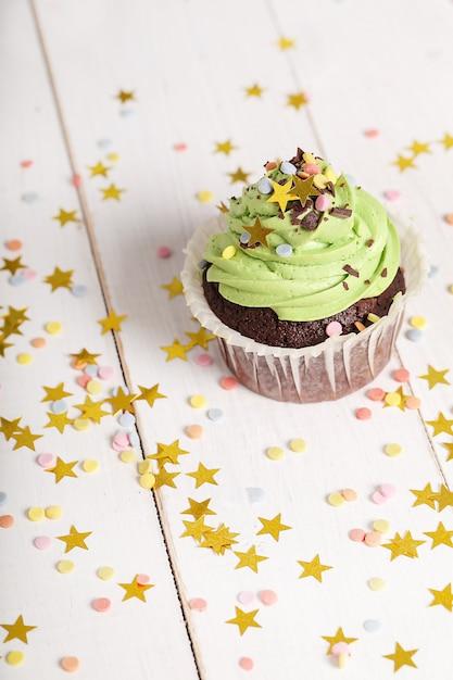 星と誕生日ケーキ 無料写真