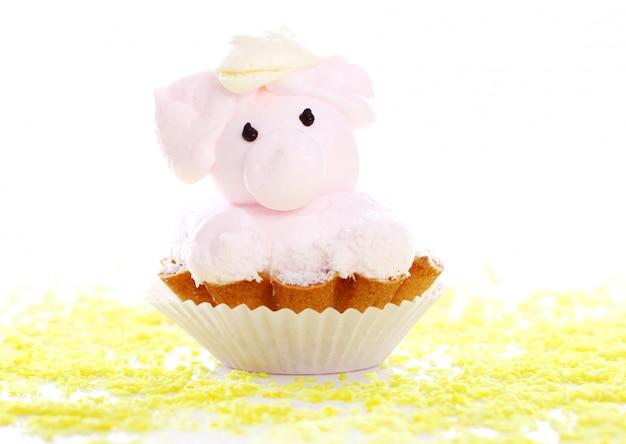 豚の形をした新鮮でおいしいケーキ 無料写真