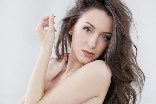 美しい女性の肖像画 無料写真