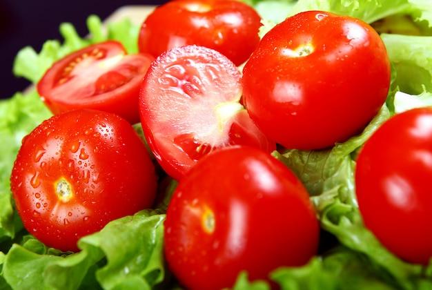Свежие и влажные помидоры Бесплатные Фотографии