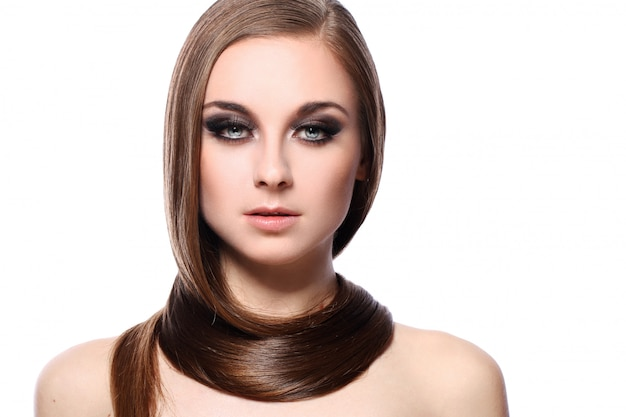 美しい髪の若い女性 無料写真