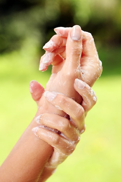 石鹸で美しい手 無料写真
