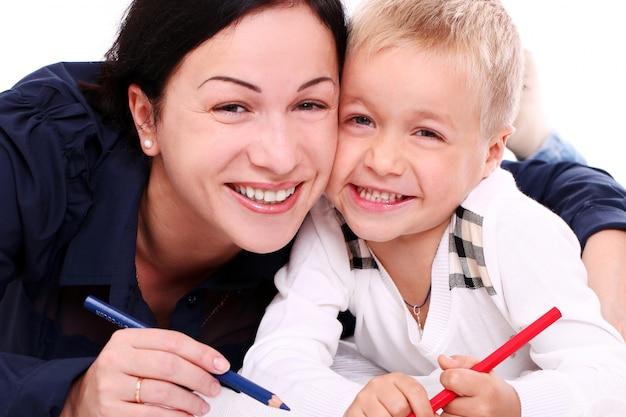 Счастливая мать с сыном Бесплатные Фотографии