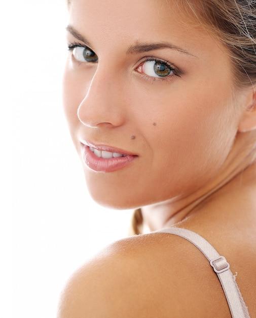 ブラジャーで美しい女性 無料写真
