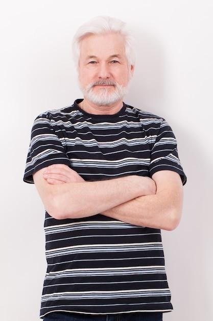 Красивый пожилой мужчина с седой бородой Бесплатные Фотографии