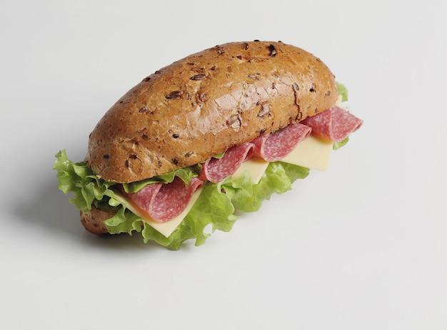 Вкусный бутерброд с салатом Бесплатные Фотографии
