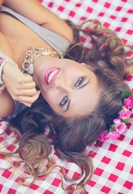 公園の美しい少女 無料写真