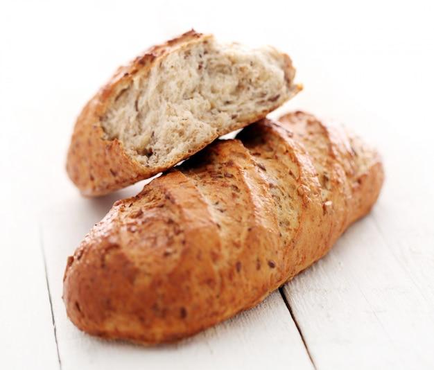 穀物と自家製カリカリのパン 無料写真