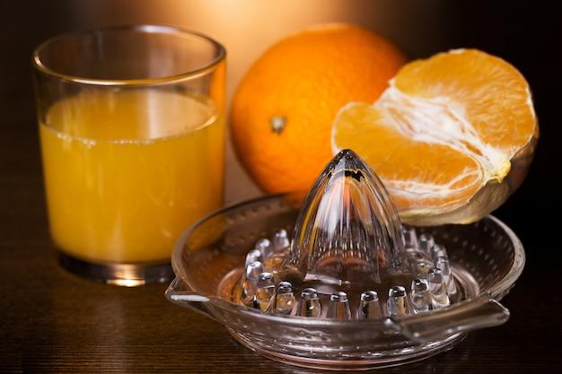 オレンジとそのジュース 無料写真