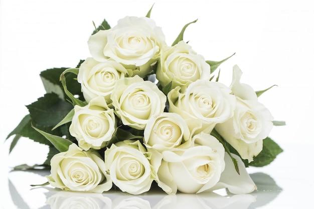 白いバラの花束 無料写真