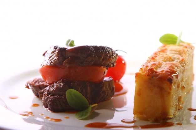 グルメスタイルの肉のグリル 無料写真