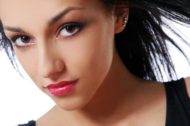 若い美しい黒髪セクシーな女性 無料写真