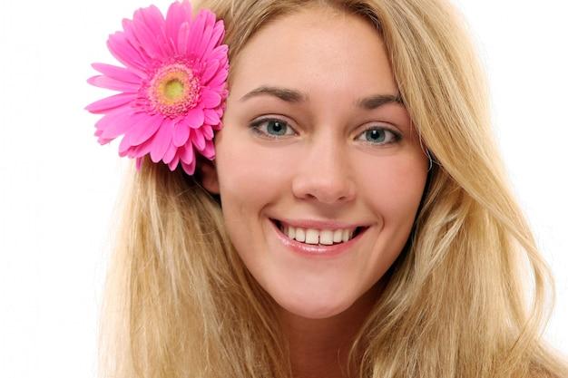 若くて美しい女性リラックス 無料写真