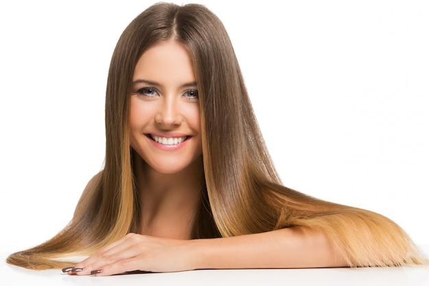 長い髪の美しい少女 無料写真