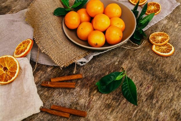 Мандарины на столе Бесплатные Фотографии