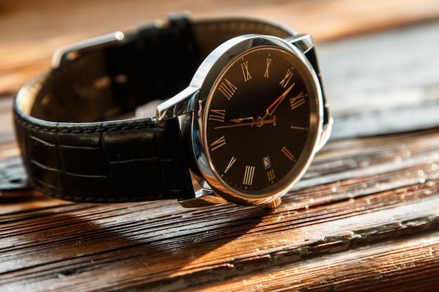 高価な腕時計 Premium写真