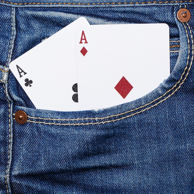ポケットにカードのデッキ Premium写真