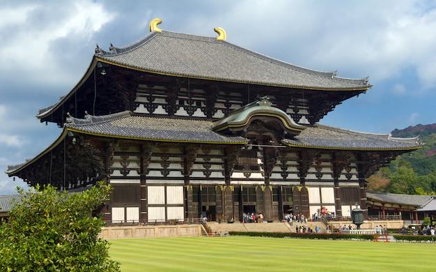 日本の寺院 Premium写真