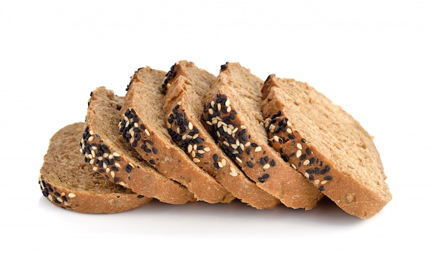 分離された自家製の茶色のパンをスライス Premium写真
