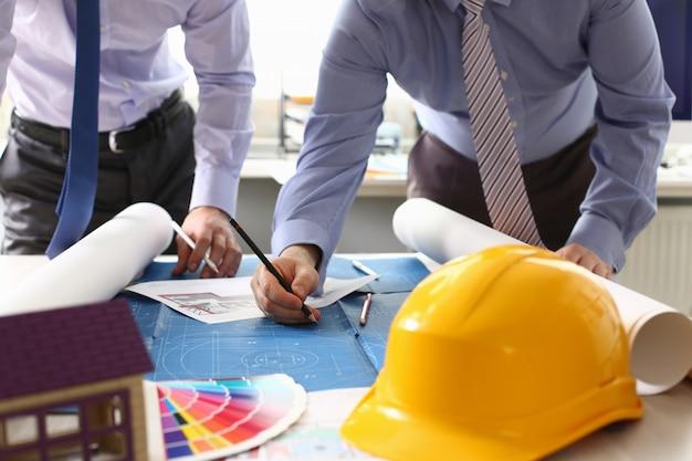 建築家エンジニアスケッチ建設プロジェクト Premium写真