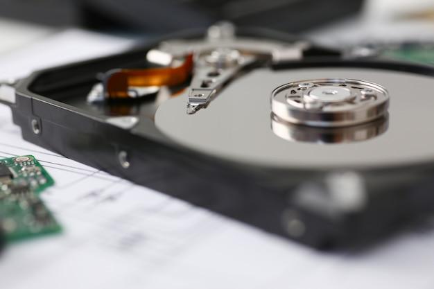 コンピューターまたはラップトップからのハードドライブ Premium写真