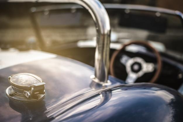 美しい古典的なビンテージスポーツ車 Premium写真