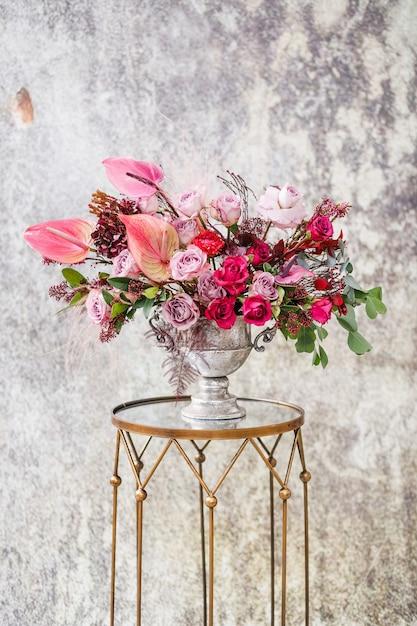 Крупный план. красивый букет из свежих цветов. Premium Фотографии