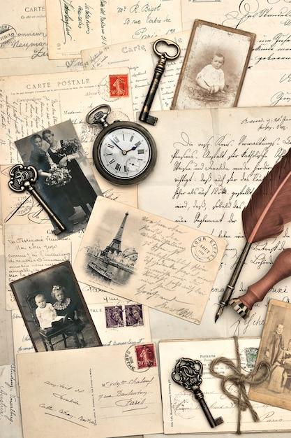 古いポストカード、手紙、写真 Premium写真