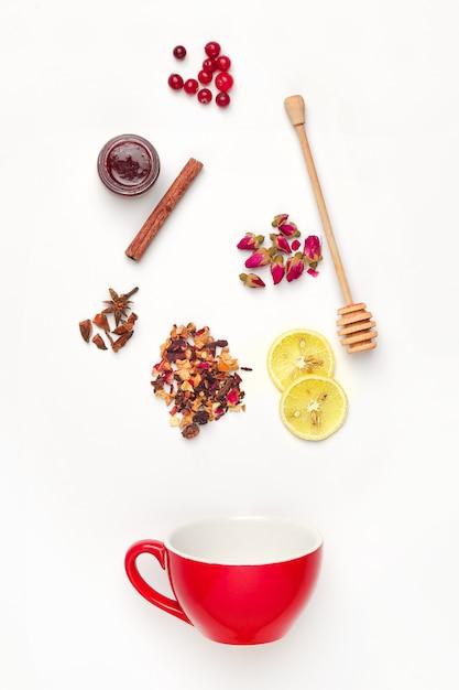 ハーブ、花、果実、果物入りの美しくておいしい茶葉 無料写真