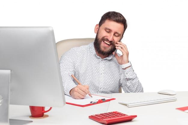 Портрет бизнесмена, говорить на мобильный телефон в офисе Бесплатные Фотографии