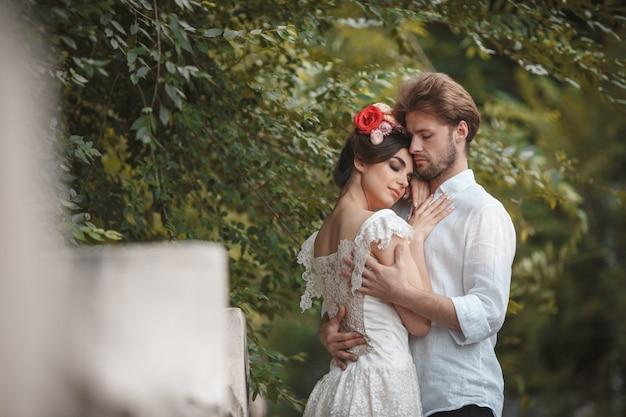 庭の結婚式の装飾。 無料写真