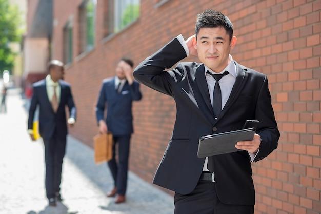 Портрет многоэтнического бизнес-команды Бесплатные Фотографии