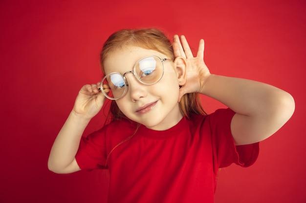 Кавказский портрет маленькой девочки Бесплатные Фотографии