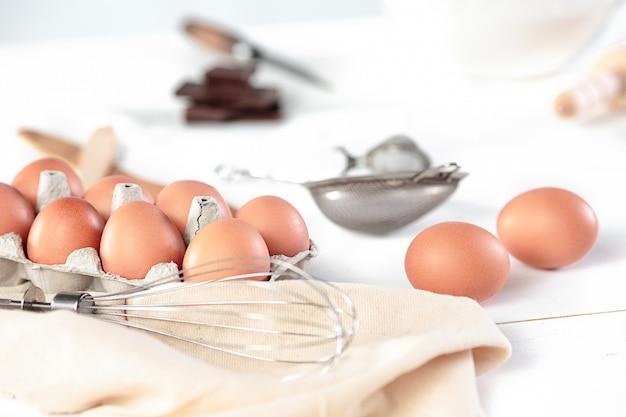 卵を使った素朴なキッチン 無料写真