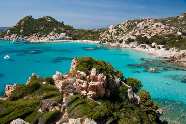 カラコルサラ、スパージの素晴らしい海水 Premium写真