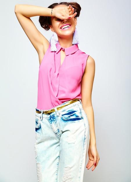 Мода женщина в повседневной одежде битник летней Бесплатные Фотографии