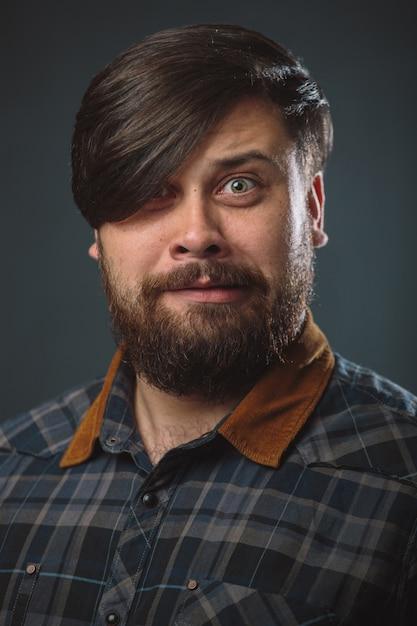 格子縞のシャツの男 無料写真