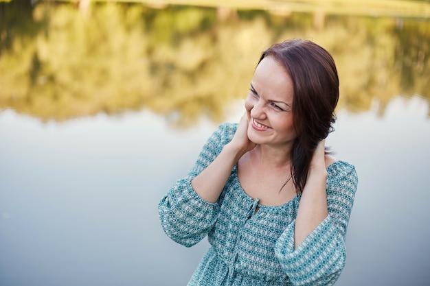Счастливая романтичная женщина Бесплатные Фотографии