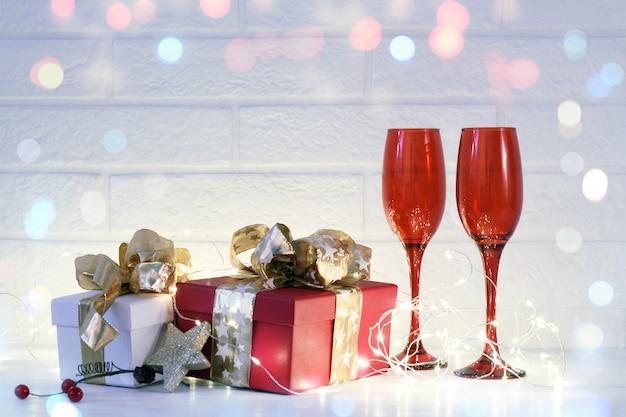 クリスマス休暇と新年のお祝いの手配 Premium写真