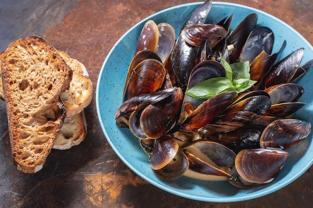 Классическое блюдо средиземноморской итальянской кухни Premium Фотографии