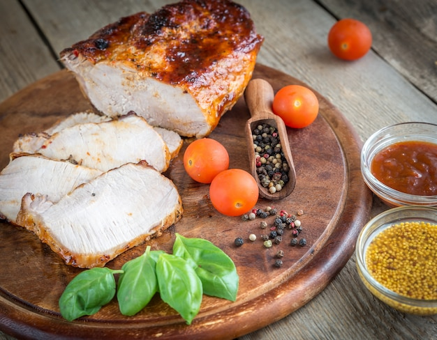 新鮮な野菜と豚のグリル Premium写真