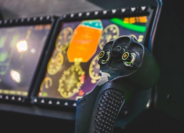 ステアリングホイール、航空機、パイロットの操縦室、ダッシュボード。 Premium写真