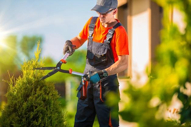 Фермер садовод садово-парковая архитектура Premium Фотографии