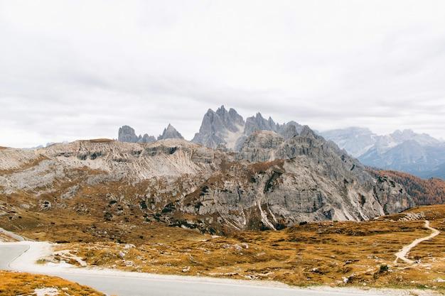 イタリアのロッキー山脈の美しい景色 Premium写真