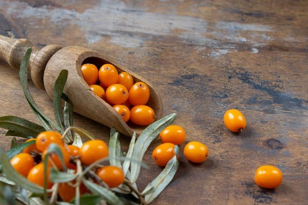 新鮮でヘルシーな海クロウメモドキの果実 Premium写真