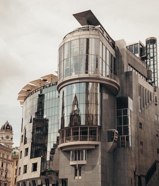 ウィーンの大きな建物 無料写真