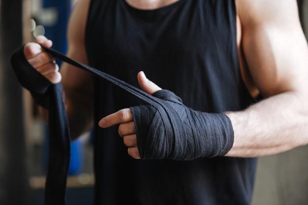 手袋でボクサーの手のクローズアップ 無料写真