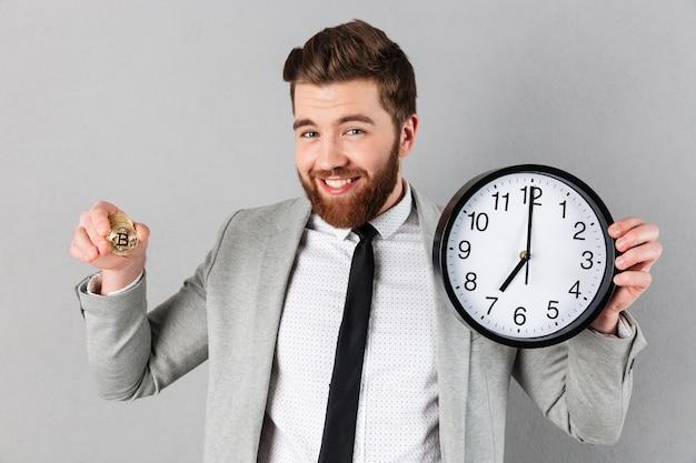 笑顔の実業家の肖像画 無料写真