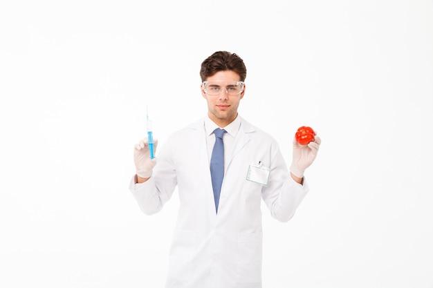 Крупным планом портрет уверенно молодой мужской доктор Бесплатные Фотографии