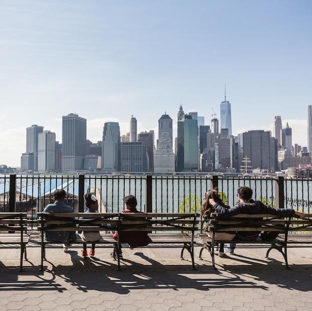 ブルックリンハイツプロムナードからのマンハッタンのスカイライン Premium写真